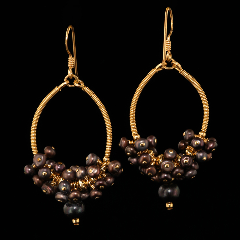 1026-gold-oval-hoop-chocolate-pearl-cluster-earrings-land-and-sea-jewelry